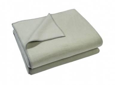 Vorschaubild zoeppritz soft fleece tagesdecke hellgruen